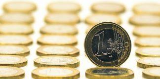 Euro Love Affair Continues
