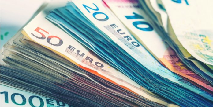 Pound Dives Against Euro as Politics Drive the Currency Pair