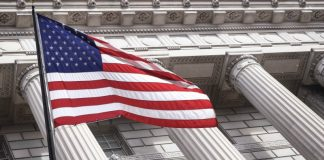 Dollar Steadies Versus Pound After Trump's Tax Pledge Falls Short on Detail