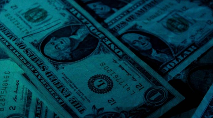 Pound Rallies vs. Dollar As US Fed Hike Rates