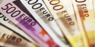 GBP/EUR: Pound Holds Against Euro As UK Economy Shows Growth