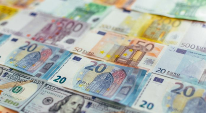 GBP/EUR: Pound At 2 Month High vs Euro As UK Wages Jump