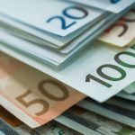 EUR/USD: Extends Losses As US Coronavirus Numbers Surge