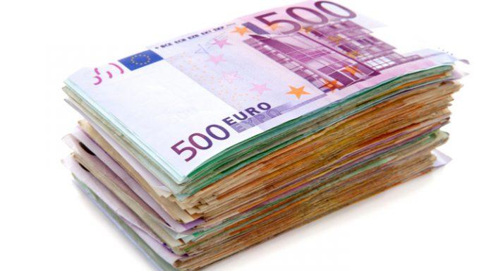 GBP/EUR: Pound Unsteady vs. Euro As PM's Future Uncertain