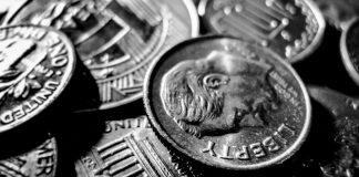 GBP/USD: Pound Steady As Investors Watch Political Developments