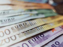 euro-bank-notes - EUR