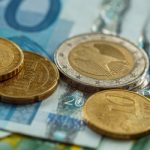 EUR/USD: Euro Extends Losses Amid Uncertainty Over US Stimulus