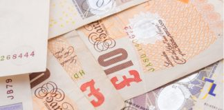 GBP/USD: Pound Skids Lower vs Dollar As Theresa May Struggles