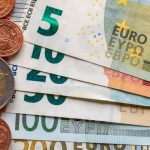 EUR/USD Euro Shrugs Off Forecast Beating EZ Growth