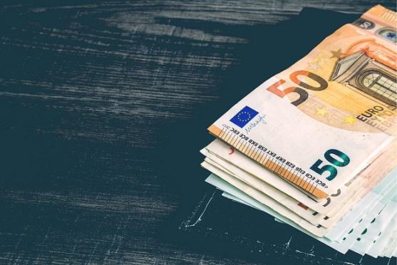 Pound Flat Against Euro As Investors Await UK Inflation Data